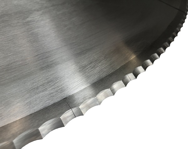 Insulation knives and saws